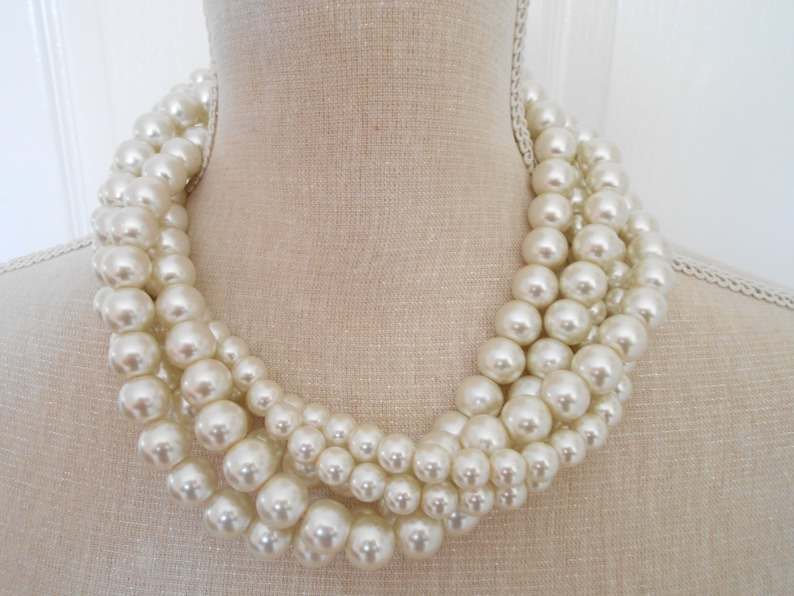 Weddings wedding accessories pearl statement pearl jewelry image 0