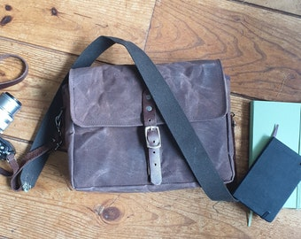 Crossbody Bag, Messenger brown waxed Canvas Bag, Unisex Bag, Everyday Bag, Designer Messenger Bag, Unique Gift Idea