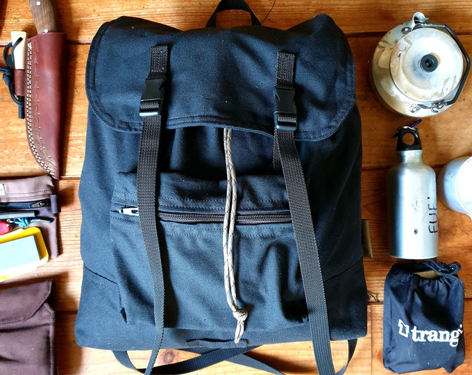 Retro Design Canvas Backpack 18L