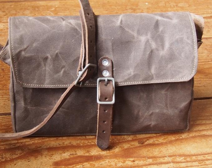 Crossbody Bag, Brown waxed Canvas Bag, Unisex Bag, Everyday Bag, Designer Messenger Bag