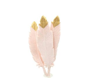 Gumpaste Feathers in blush and gold, for boho weddings, baby showers, birthdays, gumpaste cake toppers, gold and white decorations