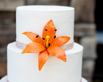 Tiger Lily Sugar Flower for wedding cake toppers, gumpaste flower cake decorations, diy brides, tropical weddings, bridal showers