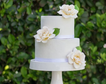 Heirloom Roses Cake Topper - set of 3 Ivory Roses and Leaves