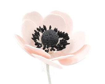 Blush Pink Anemone Sugar Flowers for wedding cake toppers, gumpaste decorators, DIY weddings