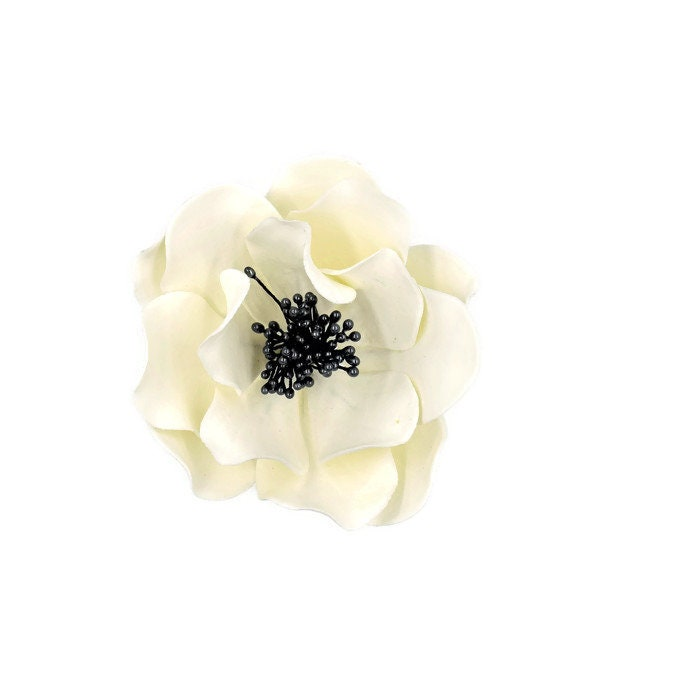 White and black open rose sugar flower for wedding cake toppers white and black open rose sugar flower for wedding cake toppers fondant decorations bridal showers gumpaste flower bouquet cake decor mightylinksfo