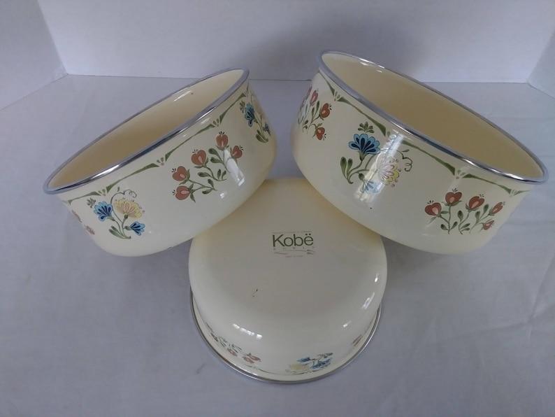Vintage Kobe Floral Nesting 3 Piece Enamel on Steel Enamelware Bowl Set Metal