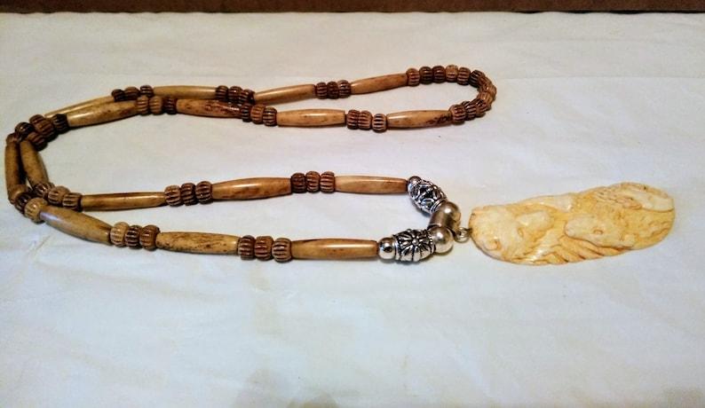 Bear Wolfs /& Eagle Group Buffalo Bone Hand Carved Pendant Silver Bale Necklace