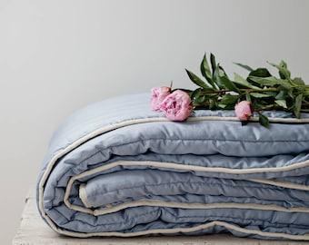 Queen comforter. Duvet queen. Comforter for any season. Medium Weight. Duvet insert. Blue bedding. Organic duvet. Wool duvet. Blue decor.