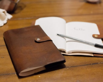 Handmade Refillable Leather Notebook | This 100% Veg Tanned Leather Brown Journal is a great gift for him or her || Free Initialing