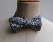 Pre-knotted bowtie in geo...