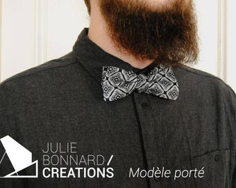 pre-knotted bowtie in geometric pattern cotton black and white, ajustable with metal clip