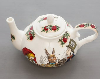 Alice In Wonderland 2 cup tea pot
