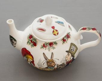 Alice In Wonderland Bone China 4 Cup Tea Pot