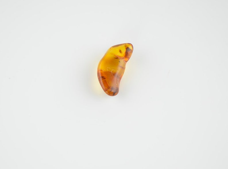 nn04 Amber stone Honey color amber 3,4 grams 1 piece Natural amber piece