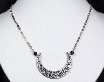snbesed moon chain