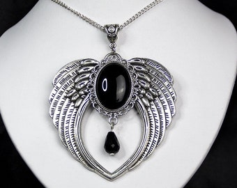 Wing cabochon necklace