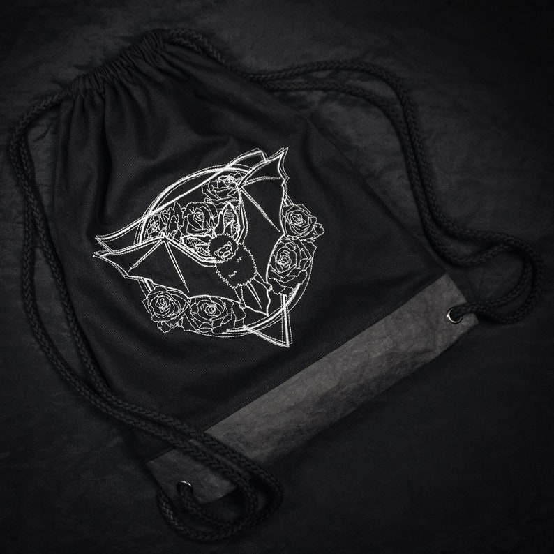 Gym bag/ backpack white embroidered with a bat flowers image 0