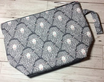 Zippered project bag- Curly Sheep