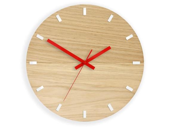 Horloge en bois mural grande horloge murale rouge moderne etsy for Horloge murale bois moderne