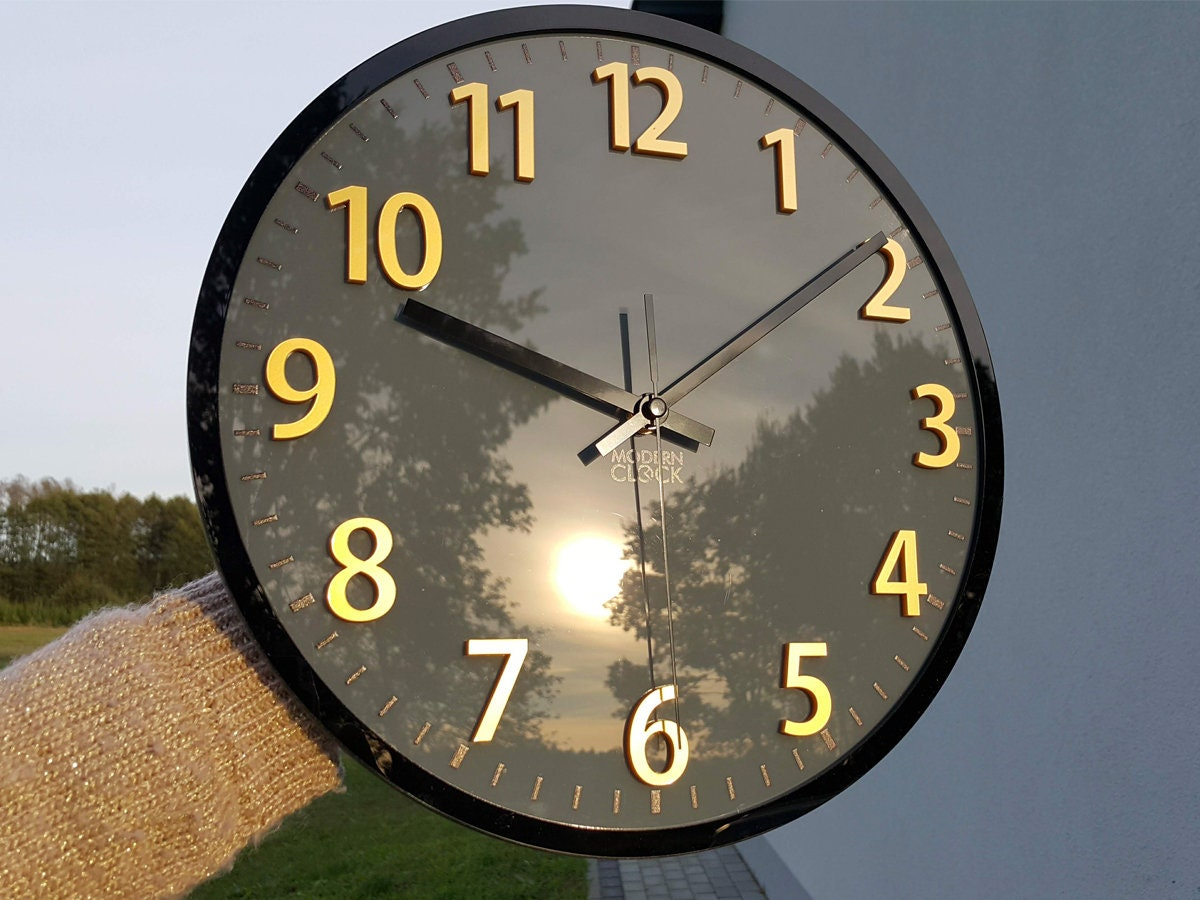 large wall clock, Gray clock with gold numbers, Clock Phil ...