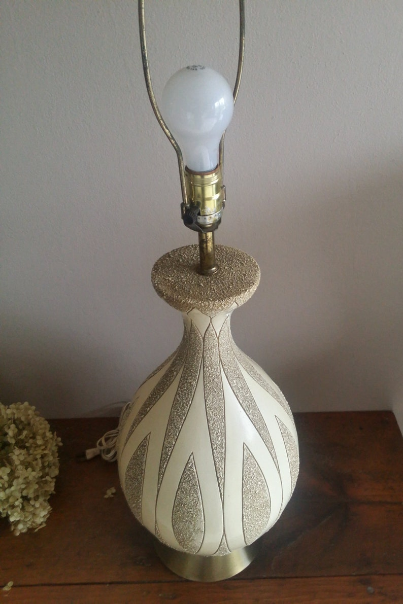 Vintage Mid Century Leviton Lamp, Lighting, Lamps, MCM, Table Lamp, Home  Decor, Home Furnishings, Light Fixtures, Lamp with Shades, Modern
