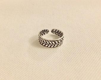 Leaf pattern Toe ring - Sterling silver