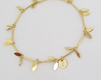 Custom Bridesmaid Bracelet, Gold Custom Bracelet, Leaf Bracelet, Personalized Bracelet, Initial Tag, Wedding, Personalized Bracelet / B444