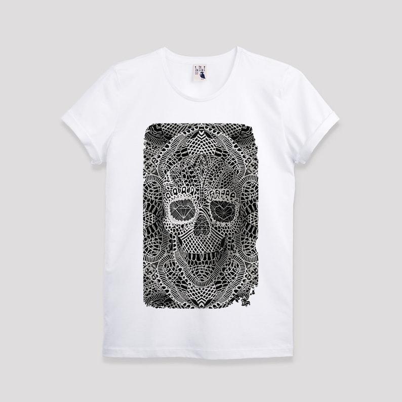 6714b812f2cb Lace Skull Black And White Illustration Men s T shirt