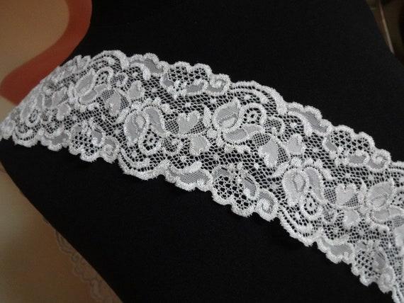 Französische elastische Calais Spitze,Spitzenborte,Lace in weiß 22cm breit