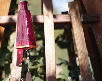 Pink 178ml Glass Bottle Wind Chime - Gifts for Mom - Garden Decor - Gift Idea - Outdoor Living - Seasonal Decor - Glass Wind Chime - Decor
