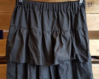 bd7b73716 Vintage Womens 1980s Black Ra-Ra Skirt -SIZE 8- w/ Ruffles -Quality Retro  Fashion-