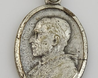 Vintage Papal Medal Pope Pius XII Pray for Us Oval Italy