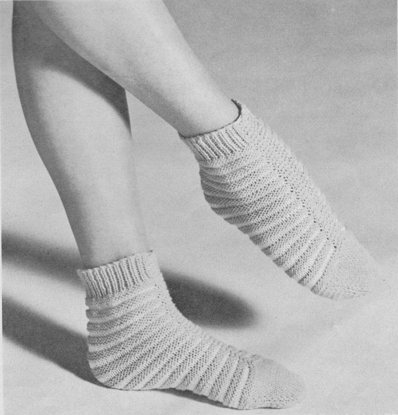 399 Vintage Knitting Pattern Sleeping Socks Ladies Socks Etsy