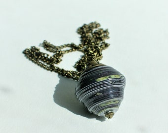Bolas paper - recycling upcycling - Blueberry and bohemian necklace