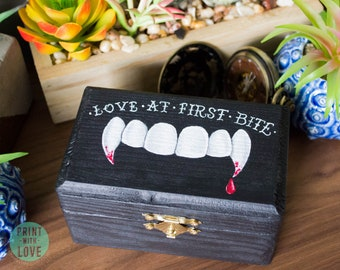 "Vampire Dracula Fang Love at First Bite 4.25"" Halloween Goth Wedding Proposal Engagement Ring Jewelry Stash Keepsake Box FREE US Shipping"