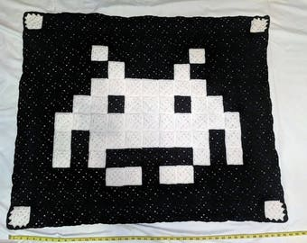 Space Invader Small Blanket/Throw!