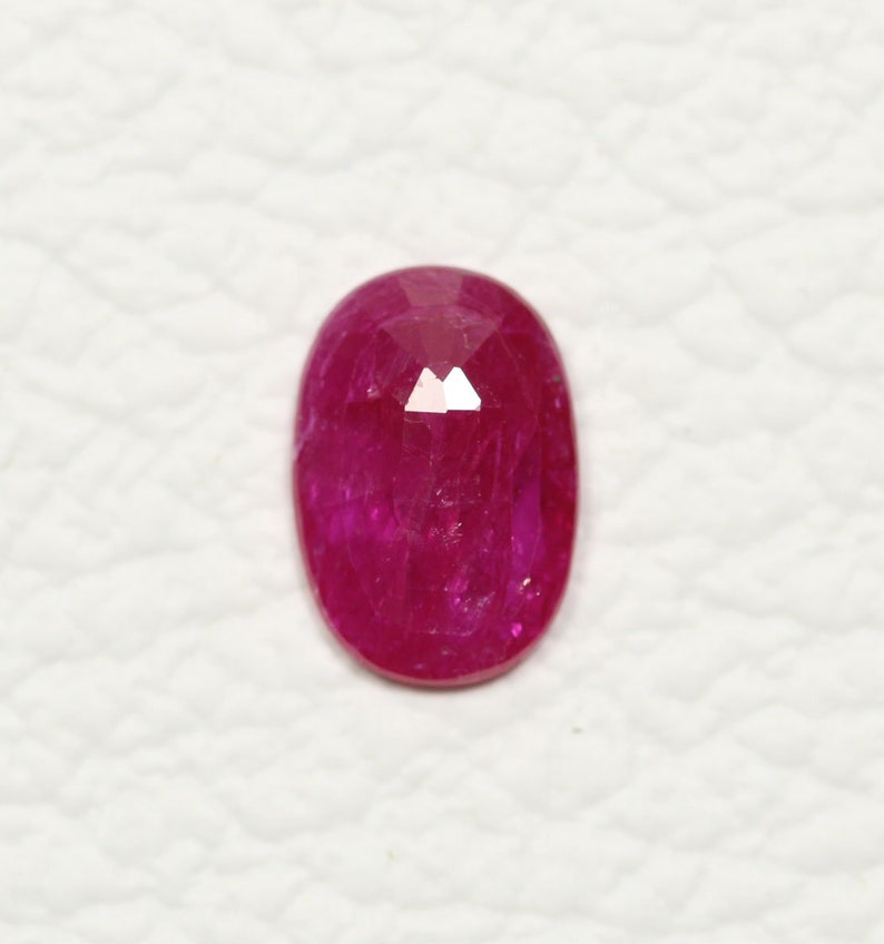 AAA Natural Ruby Faceted Loose Gemstones 7.2x10.5mm Oval Shape 2.20 Carats Rare Ruby Gemstone Cut Stone Loose Precious Stones C-19642