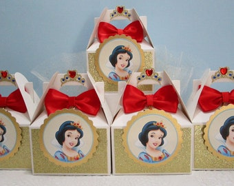 5d6f0b004e8 Snow White Favor Boxes