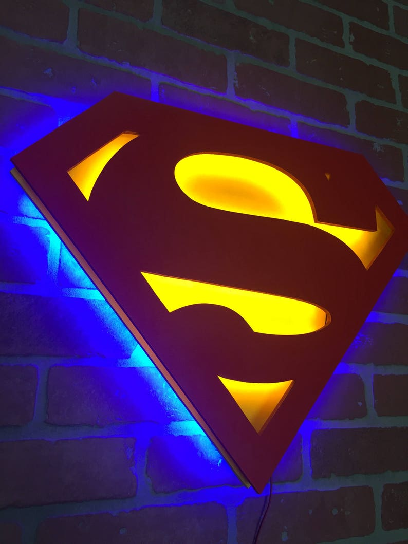761787dd784b Dual color Justice League Superman cómic superhéroe iluminado