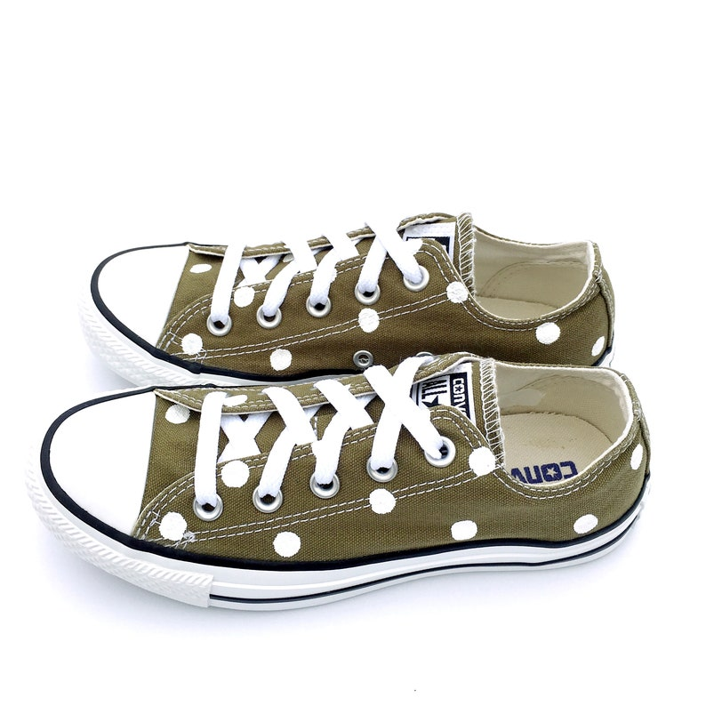 b216361eea8eff CACTUS GREEN Converse with Hand Painted White Polka Dots