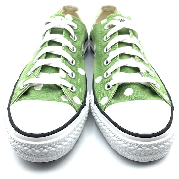 BAMBOO GRÜN Converse mit Hand bemalt weiß Polka Dots Damen Größe 8 Herren Größe 6