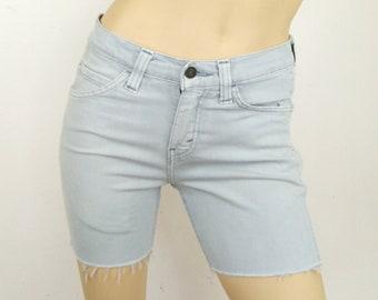 8dbd321a4359 Levis Shorts 510 Waist 28