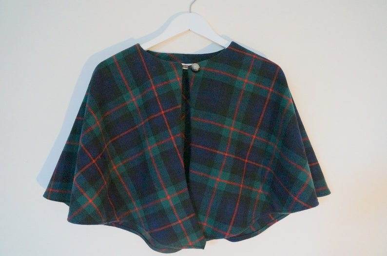 50/'s style wool cape