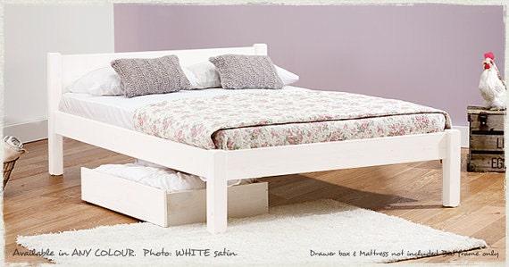 Telaio del letto di cavaliere bianco di scopare letti opzione etsy - Telaio del letto ...