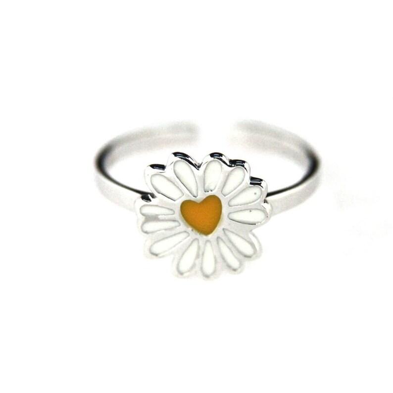 2d1abccc2c211 Agatha Ruiz de la Prada sterling silver enamel daisy ring.