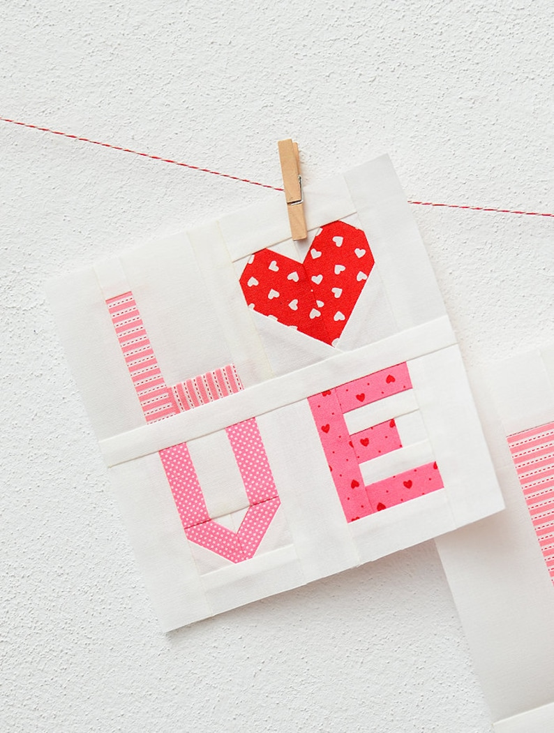 PDF Patchwork Anleitung  LOVE Symbol  Valentinstag Quilt image 1