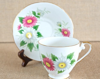 Vintage Royal Grafton Bone China Tea Cup & Saucer - Excellent Condition - Made in England