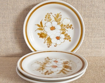 Dried Flower Pattern - By Mountain Wood Collection - Bread & Butter Plates - Set of Three