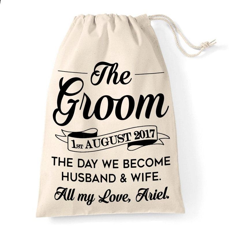 736ef78d9 Bolsa de regalo para el novio Personalizado marido a ser | Etsy