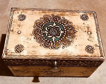ON SALE Small Beige keepsake box from India, handmade wood treasure chest, trinket box, women's and men's organizer, jewelry box, memory box
